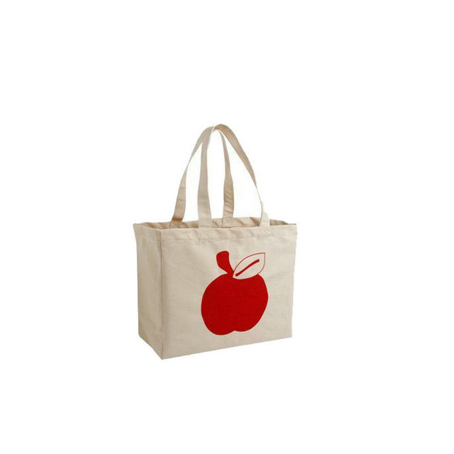 white cotton tote bags