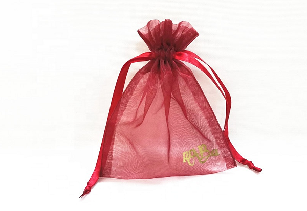 What are the benefits of organza bags?
