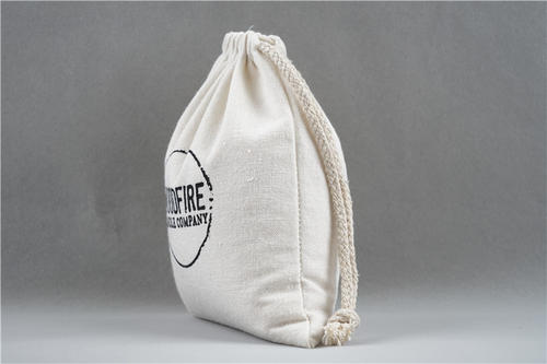 What are the advantages of canvas drawstring bags?
