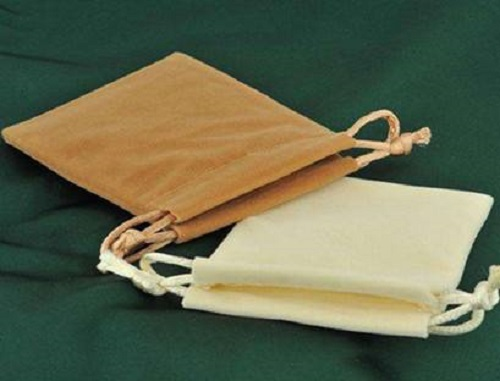 What are the advantages of velvet drawstring bags?