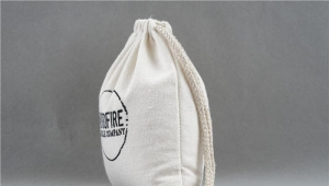 What is the process of custom canvas drawstring bags?